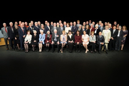 GG01-2016-0070-200 March 04, 2016 Vancouver, British Columbia, Canada. Their Excellencies the Right Honourable David Johnston, Governor General of Canada, and Mrs. Sharon Johnston were in Vancouver between Thursday, March 3 and Friday, March 4, 2016 for an official visit. While in Vancouver, the Governor General recognized remarkable Canadians with awards and honours. In addition, Their Excellencies participated in a number of cultural, innovation-themed, and community-building events. Presentation of Honours. His Excellency presented honours to more than 150 remarkable Canadians to recognize excellence, courage or exceptional dedication to service at the Chan Centre for the Performing Arts, in Vancouver, British Columbia. Their Excellencies and the Lieutenant Governor of British Columbia, Her Honour the Honourable Judith Guichon, pose with the recipients from the afternoon ceremony. Credit: Sgt Ronald Duchesne, Rideau Hall, OSGG